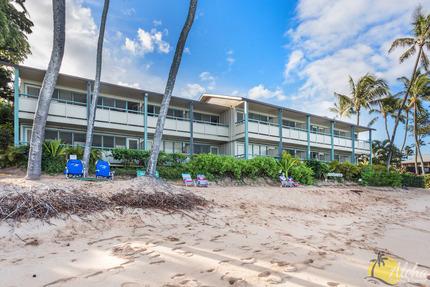 Napili Bay Resort Condo 209 − 1 Bedroom Oceanfront Condo