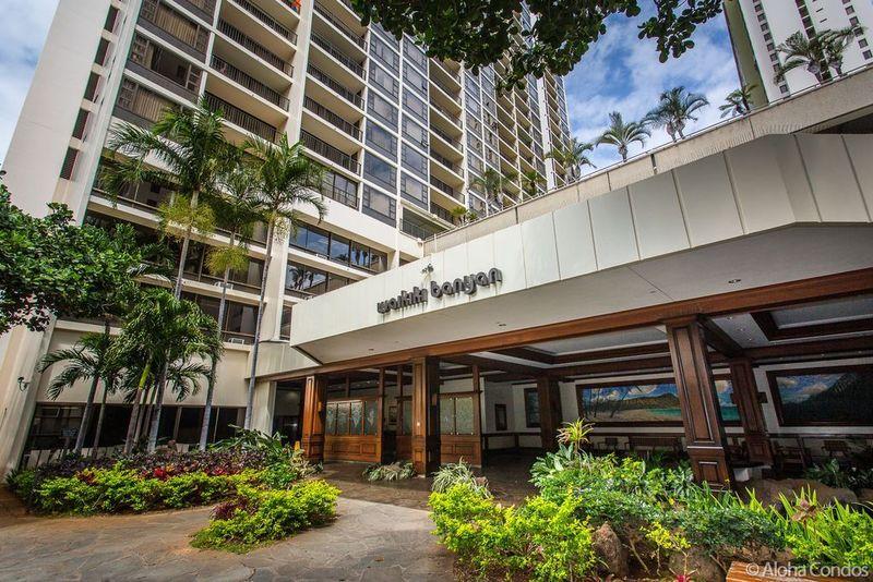 Waikiki Banyan Condos 2 Condo Rentals Aloha Condos Homes
