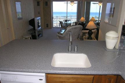 Honolulu Rentals - Kitchen - Ilikai Marina 1190