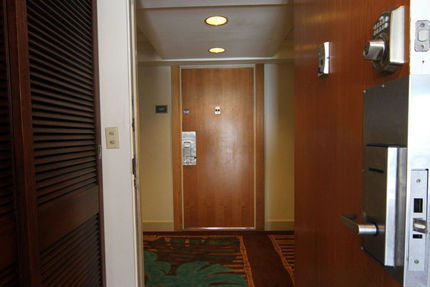 Entry Area - Ilikai Hotel And Apartments, Condo 1118