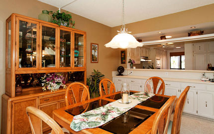 Dining Area - Kona Coast Resort at Keauhou Gardens, Unit 5-102